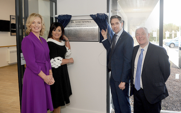 Historic Day as Mayo Roscommon Hospice Foundation celebrates Official Opening of Mayo Hospice  Minister Simon Harris officially opened the new Mayo Hospice in Castlebar on Friday afternoon October 18th 2019.    The Foundation has been in existence since 1993 and has funded palliative care services in community, hospitals and nursing homes to the people of Mayo and Roscommon, in partnership with the HSE since then. The dream of the Foundation was always to build a Palliative Care Centre in each county and October 18th saw that dream realised in one of the two counties, with plans for the Roscommon Hospice at an advanced stage.  Joanne Hynes, Chairperson of Mayo Roscommon Foundation, Martina Jennings, CEO of Mayo Roscommon Hospice Foundation, Minister for Health Simon Harris TD and Minister for Community and Rural Affairs Michael Ring unveiling a plaque at the official opening of the Mayo Roscommon Hospice. Pic Conor McKeown